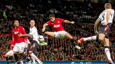 Manchester United makes a winning start in Capital One Cup