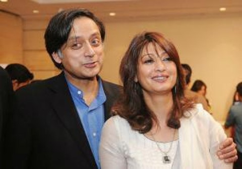 Sunanda Pushkar lashes out at Pak journalist Mehr Tarar on Twitter