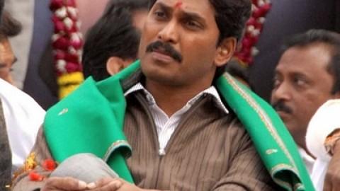 Jagan targets Sonia Gandhi over Telangana tangle