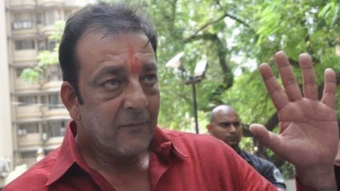 Court agrees to hear PIL against Sanjay Dutt's parole