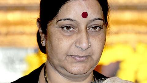 Sushma Swaraj openly opposes Reddy brothers' entry in BJP