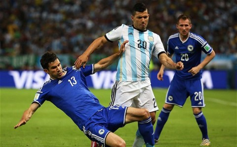 Argentina scrambles through for a victory