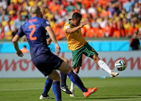 Netherlands win despite Australia's strong challenge