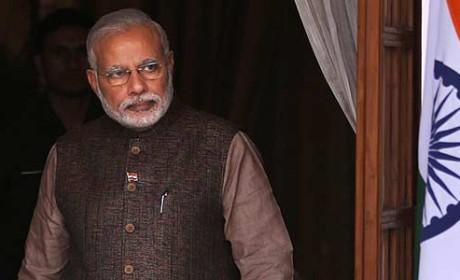 PM praises railway budget, Rahul Gandhi criticises