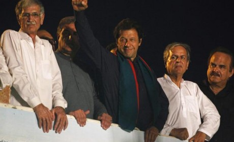 Political crisis in Pakistan continues