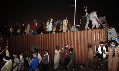 Turbulence in Pakistan, Imran Khan threatens to file murder case Nawaz Sharif