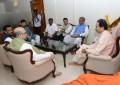 BJP urges Shiv Sena to not break alliance in Maharashtra