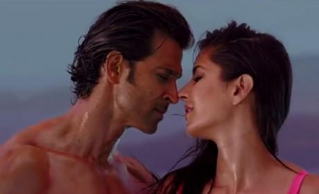 Sizzling chemistry between Hrithik Roshan and Katrina Kaif in Bang Bang