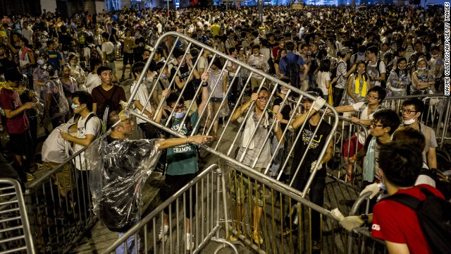 Protest intensifies in Hong Kong in demand of democracy