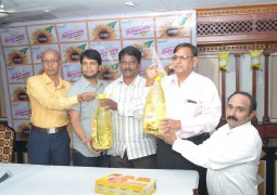 Naturralle Refined Sunflower Oil launches 5 Litre Jar in Vijayawada