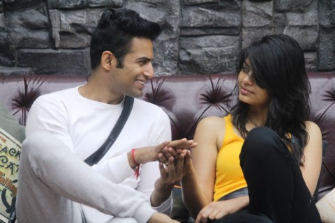 Love Is In the Air For Sonali And Upen
