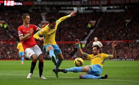 Chelsea edge past Liverpool; ManU toil hard against Crystal Palace