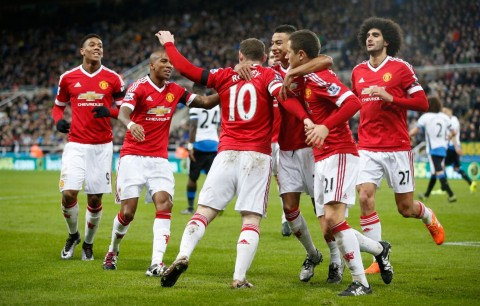 Manchester United held at Newcastle; Liverpool snatch a point against Arsenal