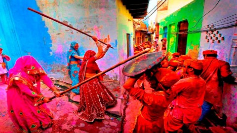 Vrindavan: Holi at its best!