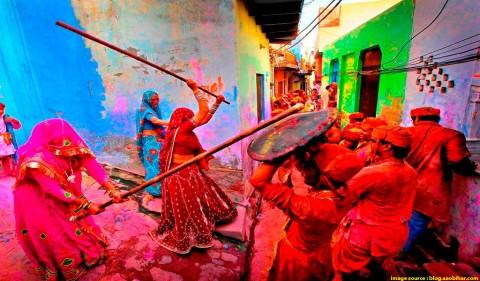 Vrindavan: Holi at its best!
