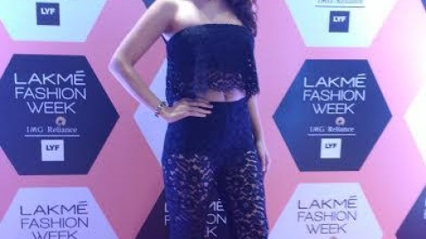 Know how Elena Fernandes stunned everyone at Lakhme Fashion Week 2016
