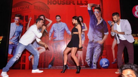 Akshay and Jacqueline rocked the audience on 'Taang Uthake'