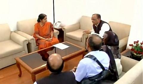 Sushma Swaraj meets Hamid Ansari's family