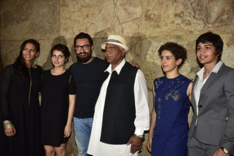 Sachin Tendulkar, Raj Thackeray, Phogat family watch Dangal!